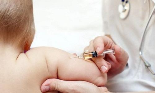 Nguoi lon co can tiem vaccine soi hay khong: Day la cau tra loi chinh xac nhat!
