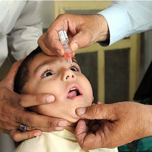 Tại sao vẫn phải uống vắc xin phòng bệnh bại liệt khi chúng ta đã thanh toán được bệnh Bại liệt ?