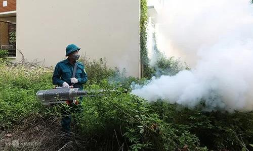 2.000 người sốt xuất huyết, Hà Nội phun thuốc diệt muỗi